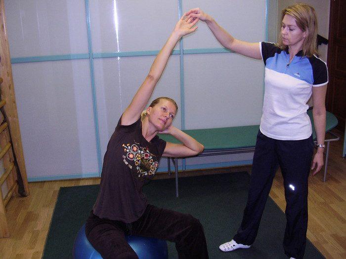 упражнения при опущении почки