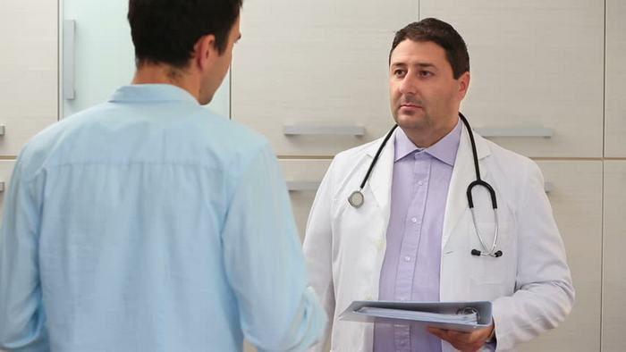 повышенное содержание эритроцитов в моче у мужчин